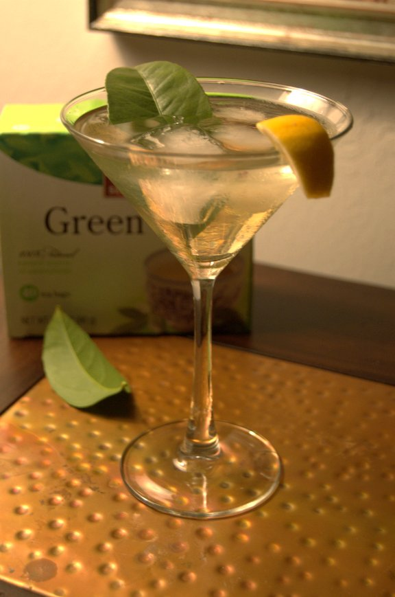 savvyhousekeeping ginger green tea gin cocktail