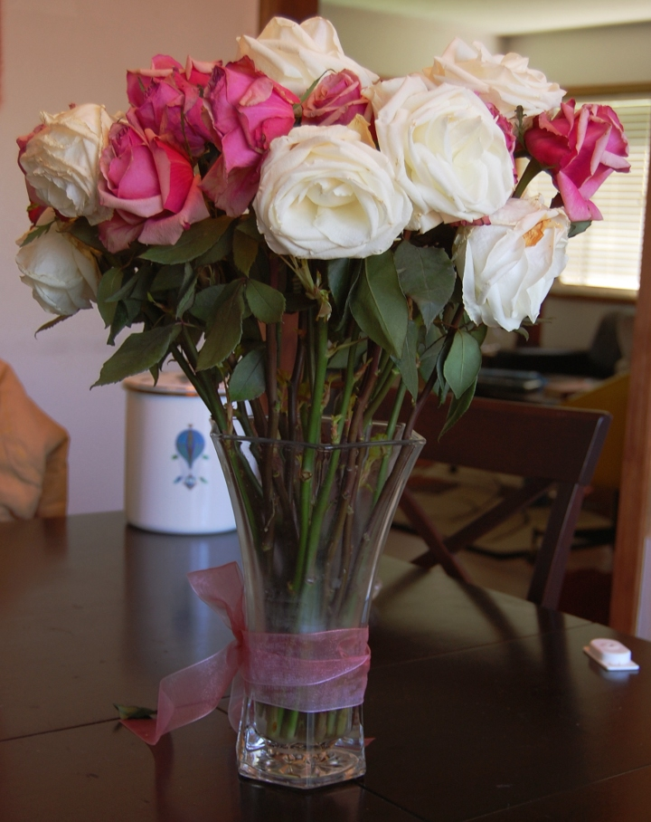 savvyhousekeeping turning valentine's day rose bouquet into rose water uses