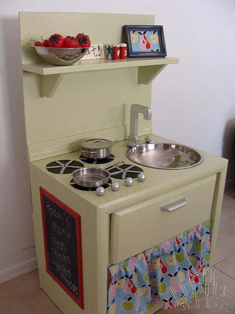 savvyhousekeeping kids kitchen