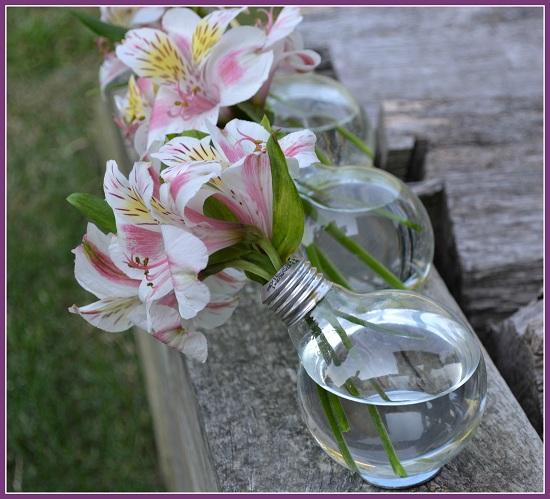 Savvy Housekeeping Turn A Lightbulb Into A Vase
