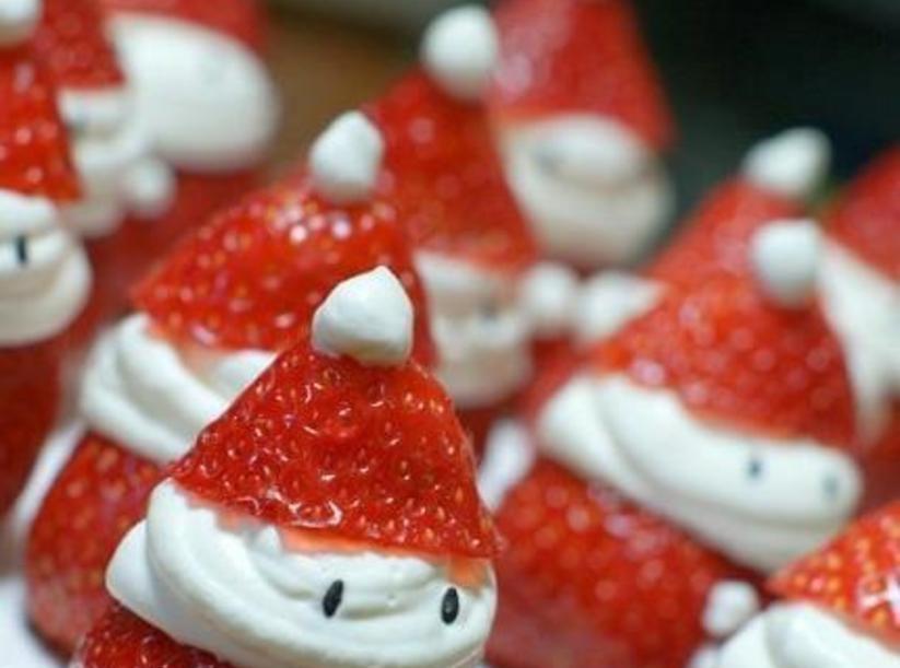 savvyhousekeeping strawberry santas