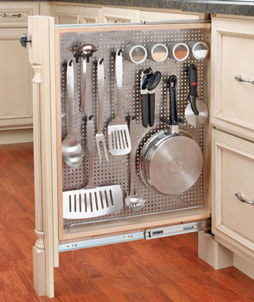 Savvy housekeeping 7 clever kitchen storage ideas for Clever kitchen storage ideas