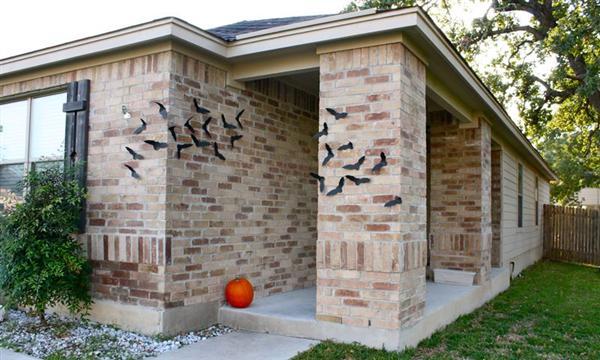 Savvy Housekeeping 187 Bats As Halloween Decor