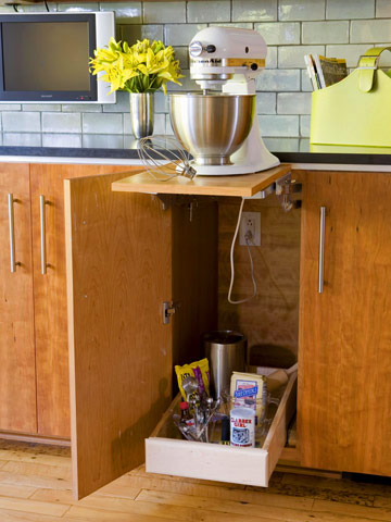 Savvy housekeeping 5 more clever kitchen storage ideas for Clever kitchen storage ideas