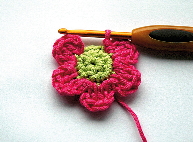 Crochet Flower Pattern Small : Pics Photos - Small Crochet Flower Patterns Free Crochet ...